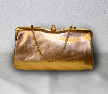 ゴールド クラッチバッグ