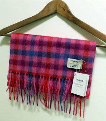ピンク系のブロックチェック Edinburgh ラムウールマフラー