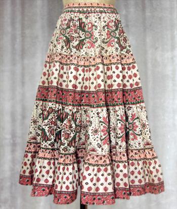 白XピンクX緑 ペイズリー柄のプロヴァンススカート