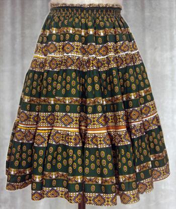 緑 ペイズリー柄のプロヴァンススカート