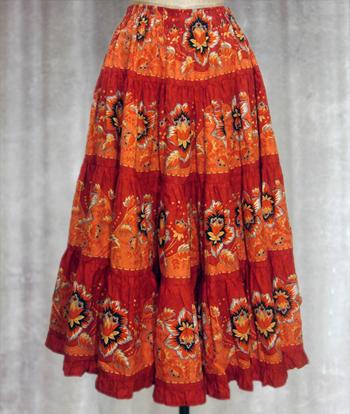 朱色 花柄のプロヴァンススカート