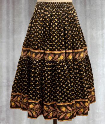 黒 ペイズリー柄のプロヴァンススカート
