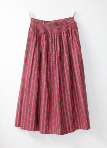 ピンク 花柄のチロリアンスカート