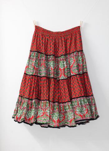 赤 ペイズリー柄のプロヴァンススカート