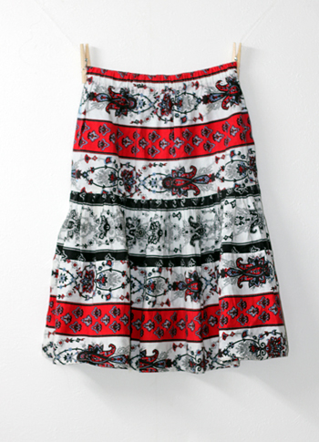 赤×白 ペイズリー柄のプロバンススカート