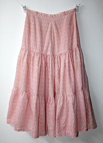 ピンクの花柄 ヨーロピアンスカート
