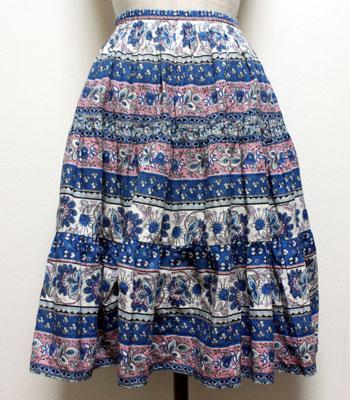 青×ピンク 花柄のプロバンススカート