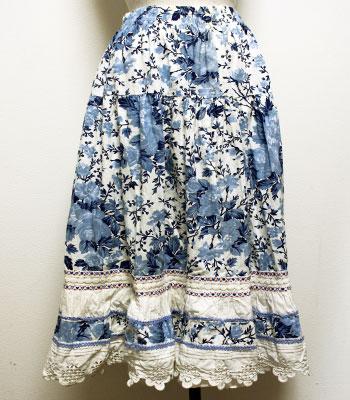 白 レースのついたプロバンススカート