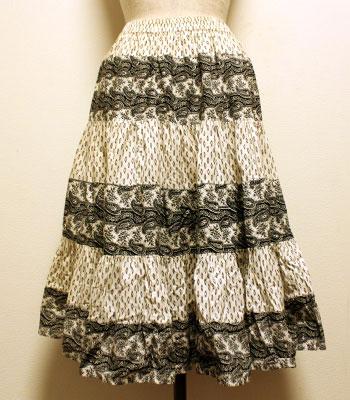 ブラック×白 ペイズリー柄 プロバンススカート