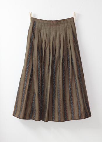 ブラウン 花柄のチロリアンスカート
