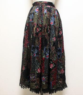 ブラック バラのペイズリー柄 チロリアンスカート